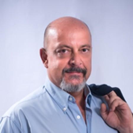Kostas Koumpakis